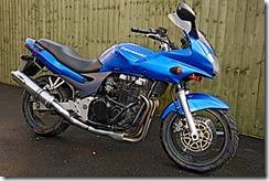 Kawasaki ZR7-S